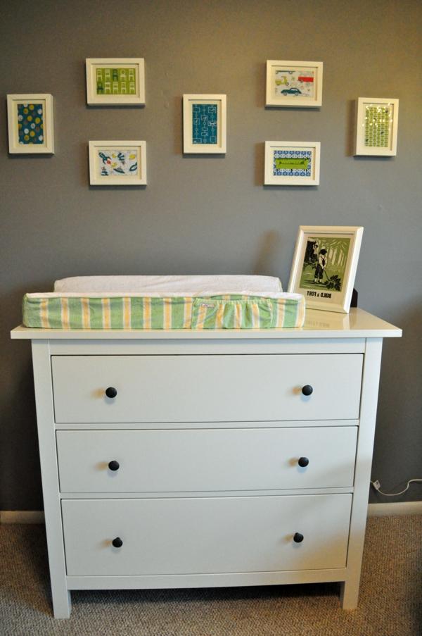 super-jolie-armoire-simple-et-classique-pour-votre-bebe