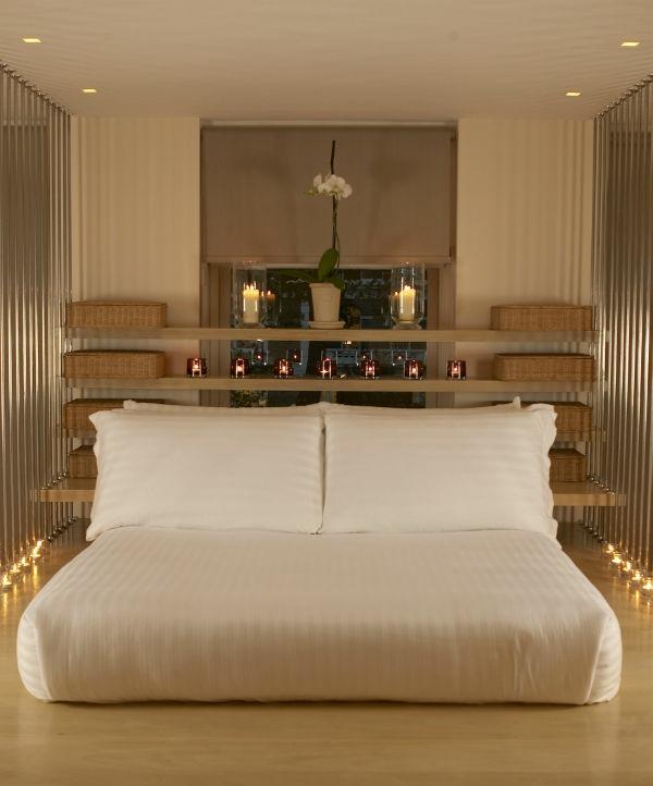 tete de lit avec etagere. Black Bedroom Furniture Sets. Home Design Ideas