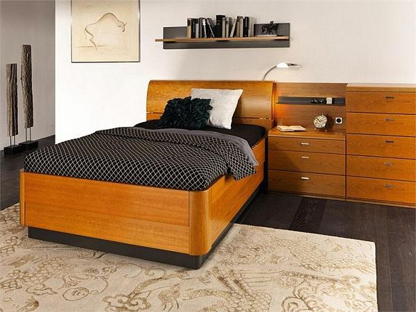 tête-de-lit-avec-rangement-et-une-étagère-flottante