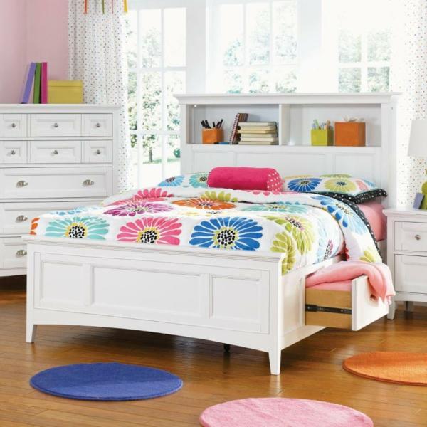 tête-de-lit-avec-rangement-idées-d'intérieurs-blancs