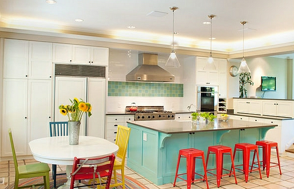 Un tabouret de bar color pour la cuisine moderne for Bar dans une cuisine