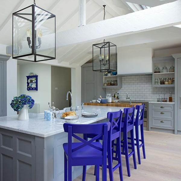 un tabouret de bar color pour la cuisine moderne. Black Bedroom Furniture Sets. Home Design Ideas
