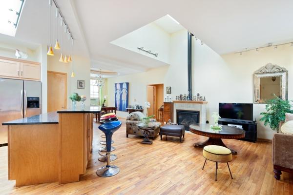 tabouret-de-bar-coloré-cuisine-et-salle-de-séjour