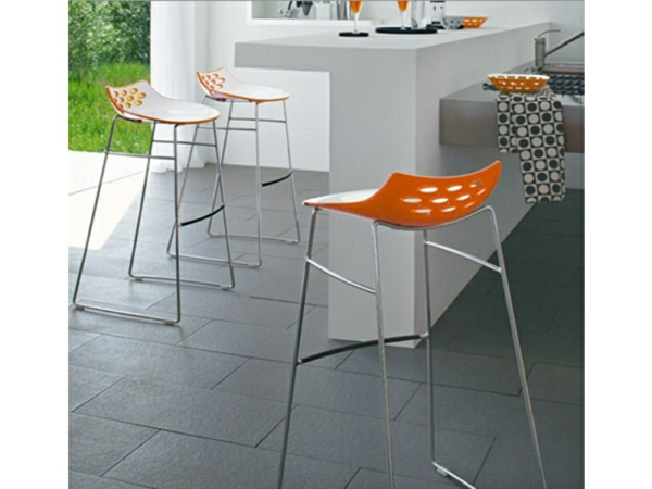 tabouret-de-bar-coloré-tabouret-orange-design-moderne