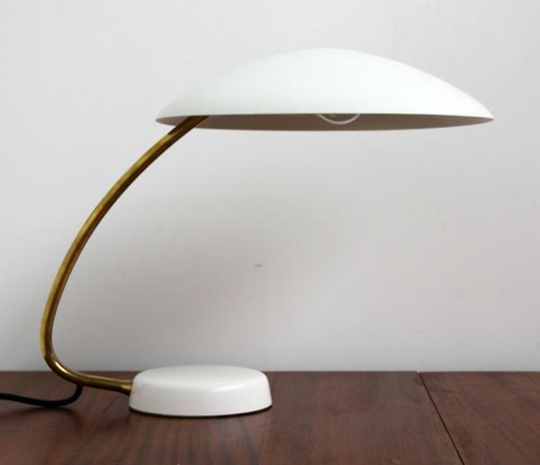 unique-design-du-bureau-pour-votre-lampe