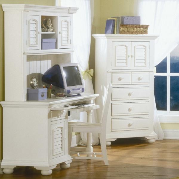 unique-design-en-bois-blanc-pour-votre-office-a-la-maison-en-style-rétro