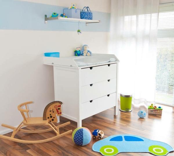 unique-design-pour-la-chambre-de-garçon-en-bleu-et-blanc