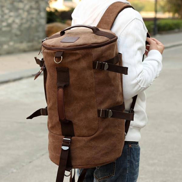 unique-design-pour-un-sac-de-voyage-élégant-et-sportif-en-meême-temps