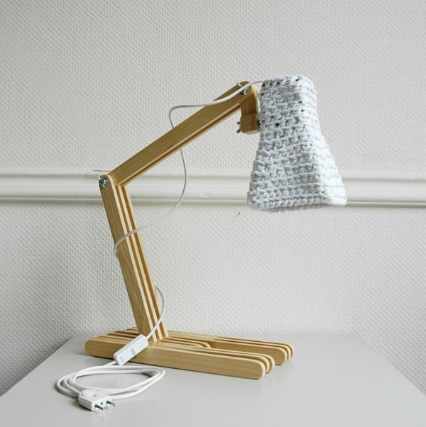 unique-lampe-en-bois-et-bois