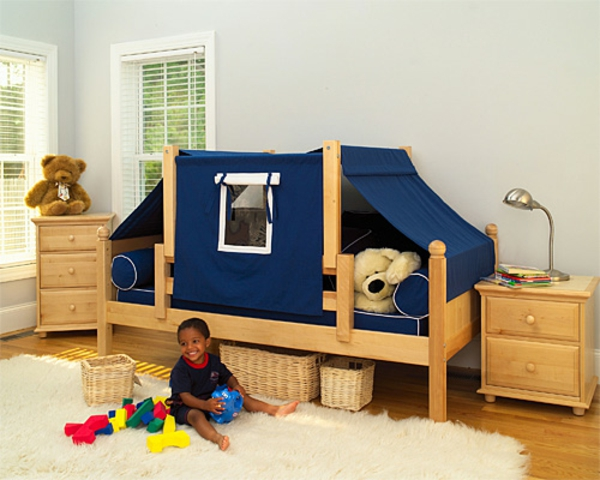 unique-lit-et-construction-pour-une-chambre-d'enfant-garçon-en-bois