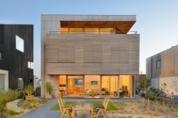 unique-maison-avec-design-d'extérieur-avec(du-bois