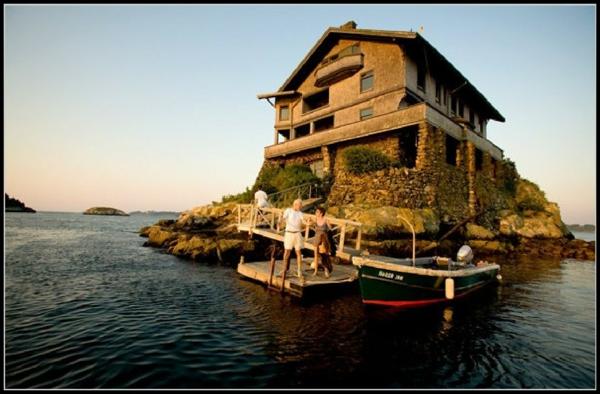 unique-maison-sur-un-île