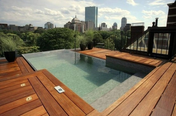 Faire une terrasse en bois composite for Bois composite pour terrasse piscine