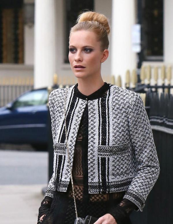 veste-en-tweed-motifs-uniques