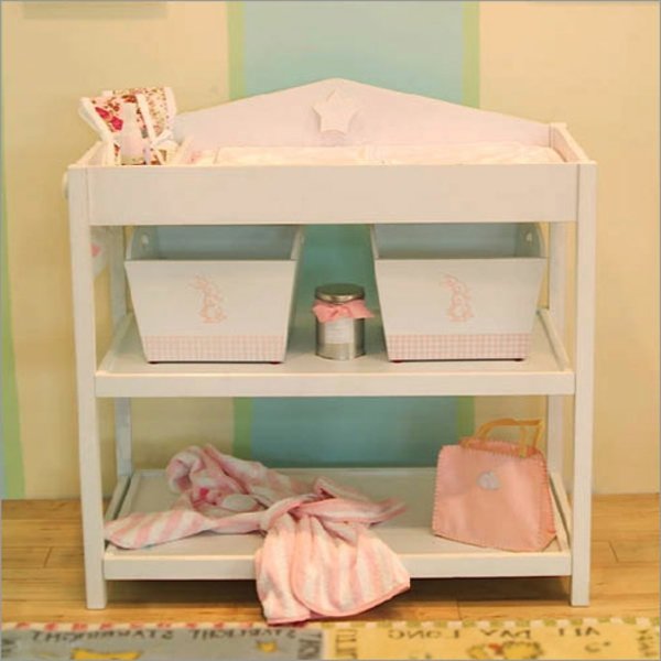 vintage-style-pour-l'enfant-en-rose-et-blanc