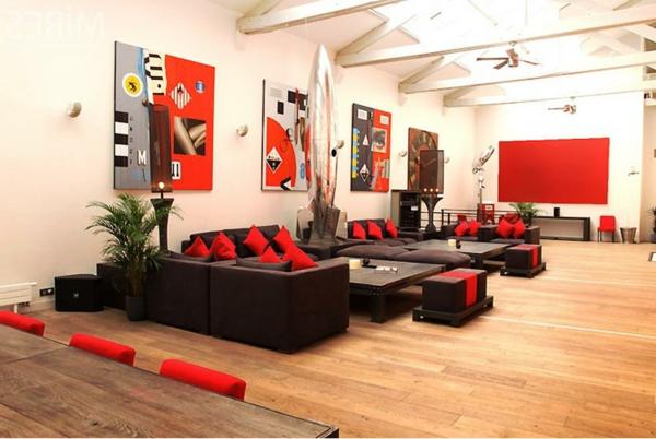 appartement-atypique-à-Paris-décoration-en-couleur-vive