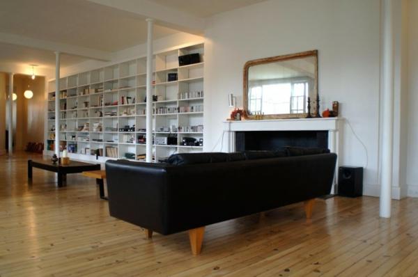 appartement-atypique-à-Paris-un-mur-bibliothèque