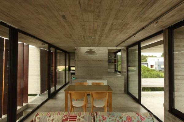baie-vitreé-coulissante-intérieur-minimaliste