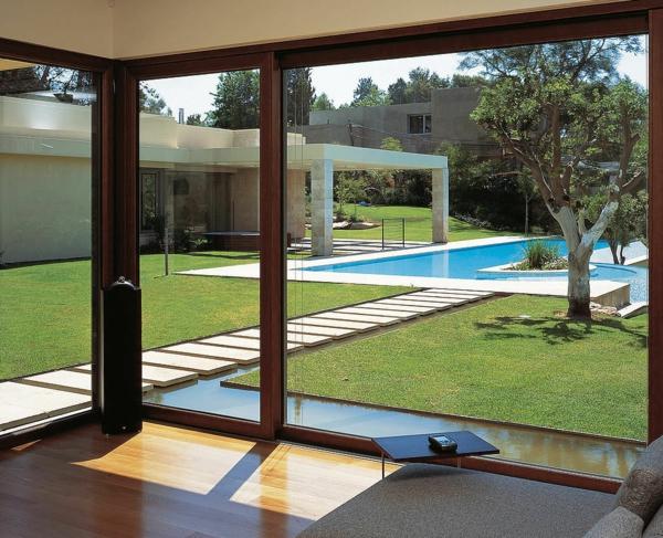 baie-vitreé-coulissante-piscine-rectangulaire