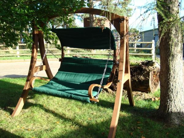balancelle-de-jardin-bois-et-textile