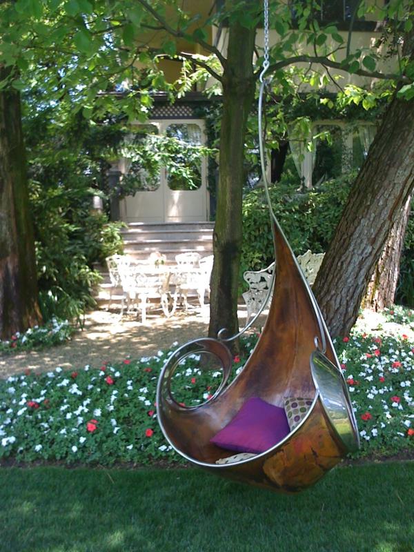balancelle-de-jardin-excptionnelle-design-magnifique