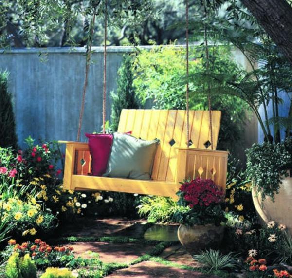 balancelle-de-jardin-un-jardin-miraculeux