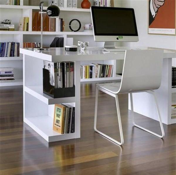 bureau-avec-étagère-bureau-avec-rangement-en-blanc-et-plancher-en-bois