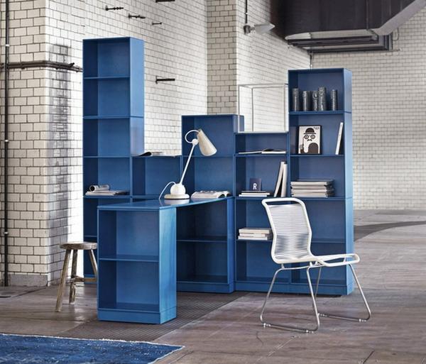 bureau-avec-étagère-design-bleu-casiers-cubiques