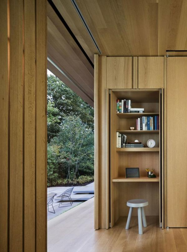 bureau-avec-étagère-design-compact-en-bois-et-un-petit-tabourte