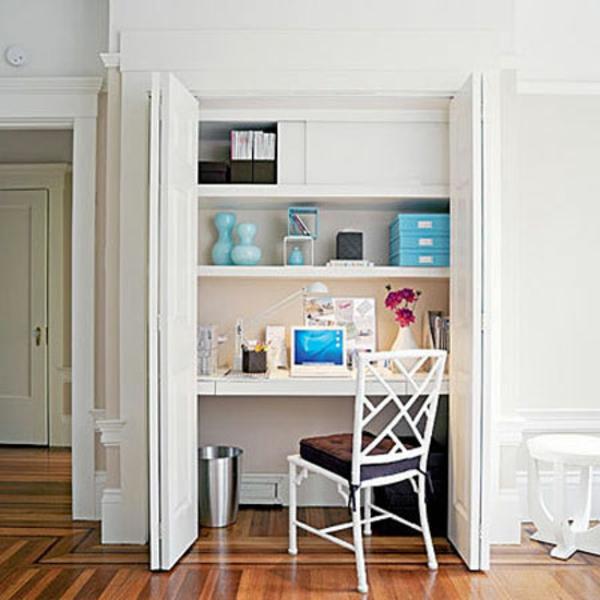 bureau-avec-étagère-petit-office-à-la-maison