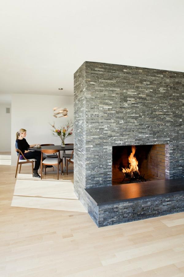 cheminée-contemporaine-et-salle-à-manger