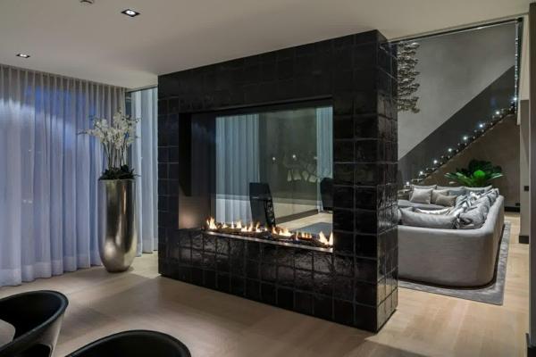 ... cheminée unique contemporaine, intérieur luxueux à espace ouvert