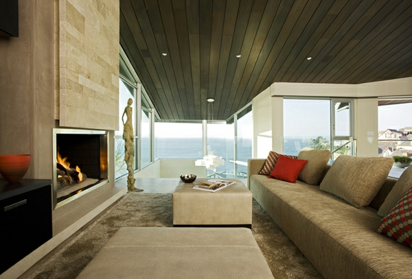 cheminée-contemporaine-un-grand-sofa-beige