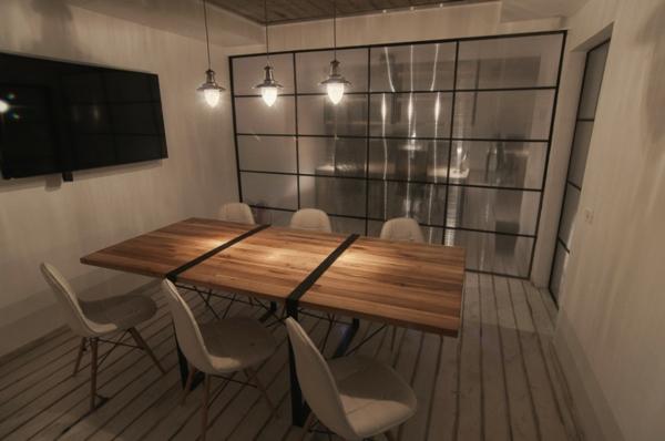 cloison-vitrée-intérieure-salle-élégante