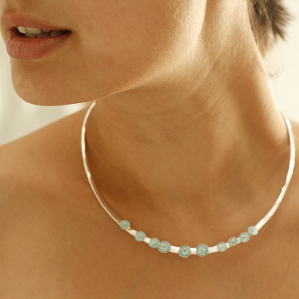 collier-torque-ornements-turquoises