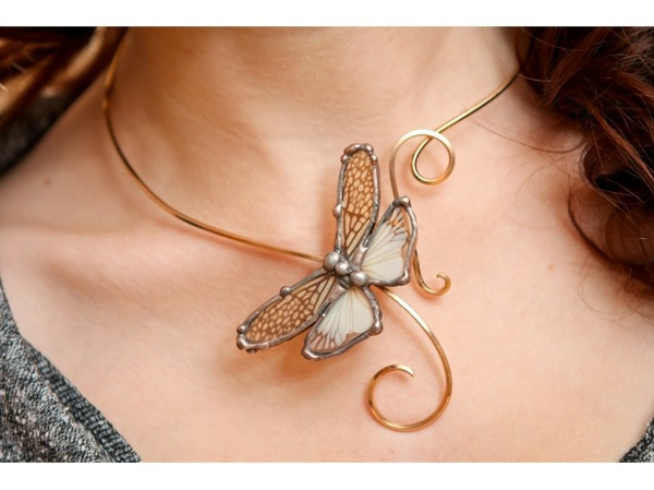 collier-torque-papillon-finition-argent-et-or