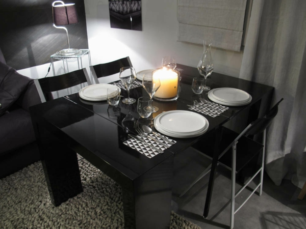 console-oexstansible-unique-en-noir-comme-une-grande-table-de-décoration