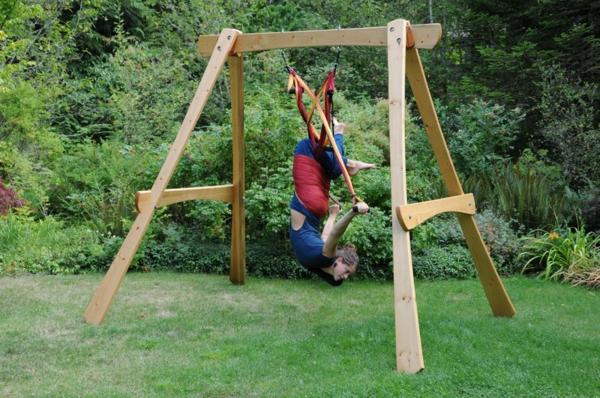 Yoga balan oire sportif et original for Balancoire jardin bois