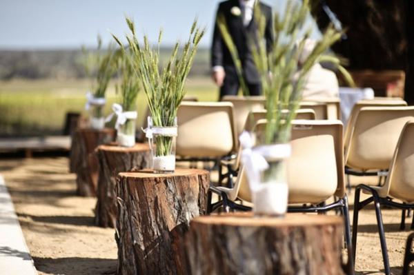 cool-déco-en-bois-idee-de-deco-pour-mariage-champêtre-en-chemin-et-verdure