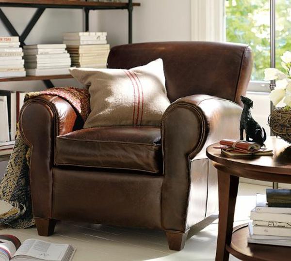 cool-fauteuil-en-cuir-classiqueavec-des-coussins