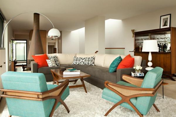 décoration-vintage-fauteuils-turquoises-et-tapis-beige