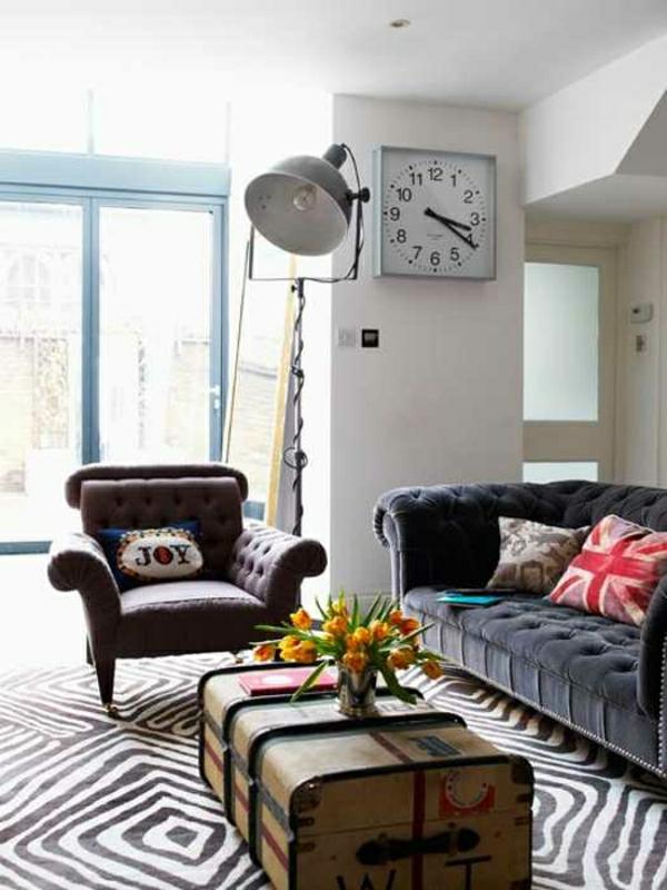 décoration-vintage-tapis-originalsofa-gris-capitonné-resized
