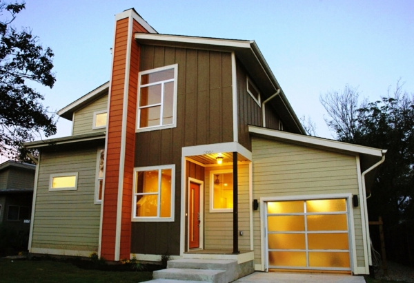 facade-en-bois-en-orange-et-architecture