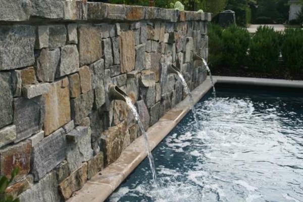 fontaine-murale-avec-piscine