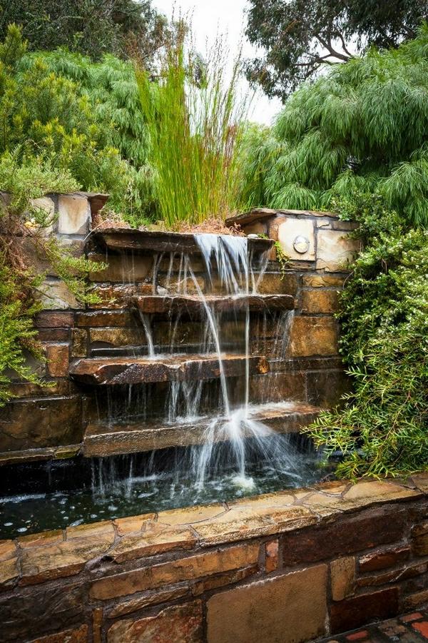 fontaine-murale-cascades-superbes