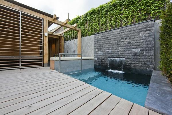 fontaine-murale-extérieurs-modernes-avec-piscines