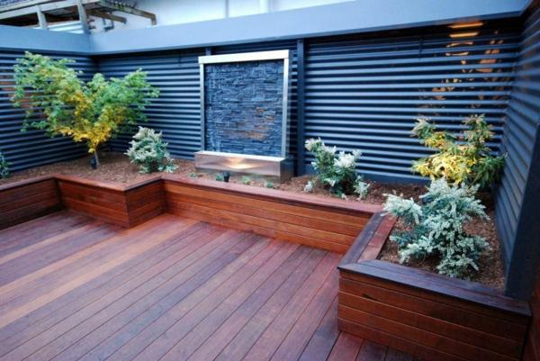 fontaine-murale-pour-un-petit-espace-extérieur