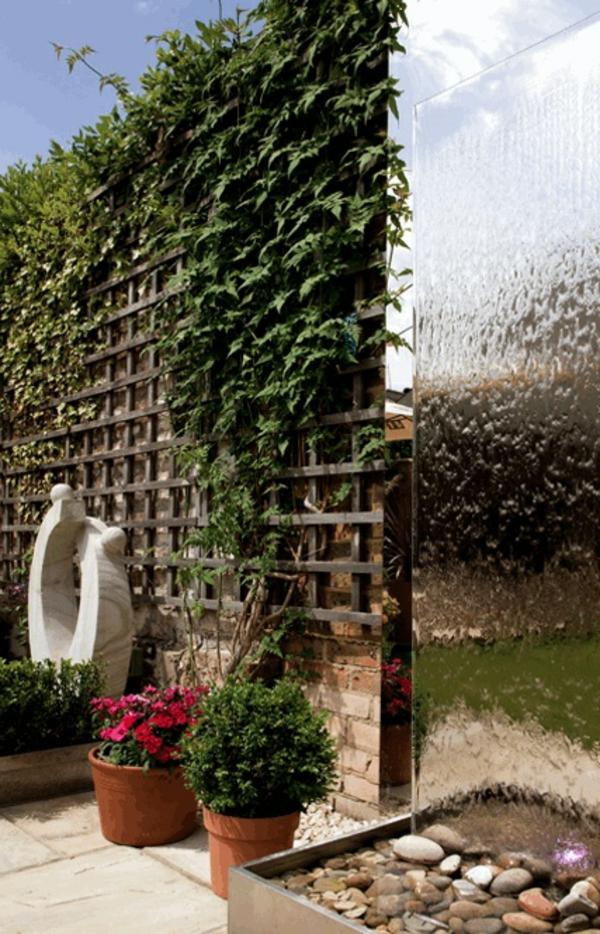 fontaine-murale-spectaculaire-et-une-brise-vue