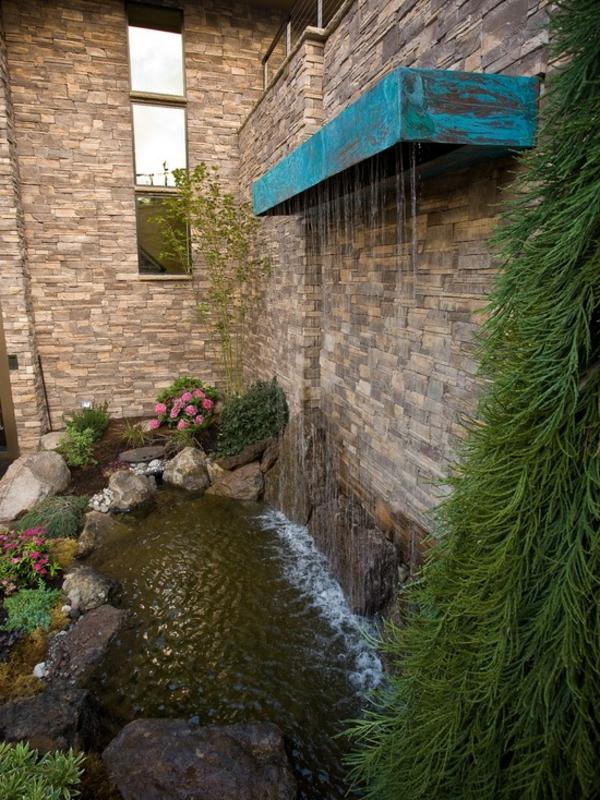 fontaine-murale-spectaculaire-petit-lac
