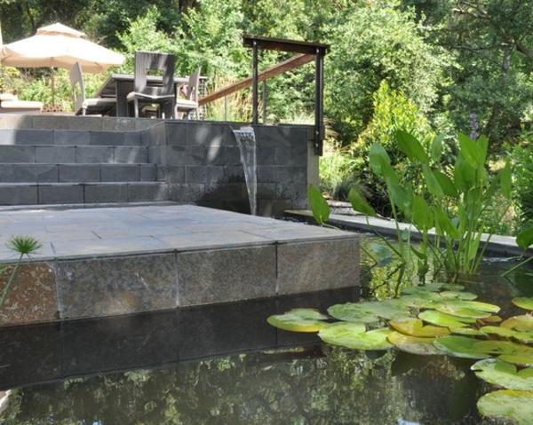 fontaine-murale-terrasse-en-pierre-etun-lac-